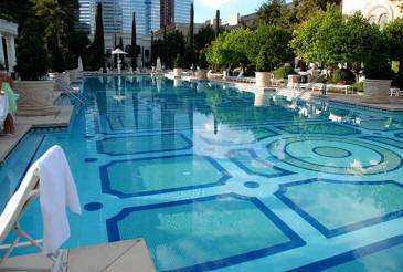 Bellagio las vegas las vegas hotels las vegas direct for Swimming pool poker