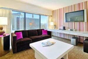 flamingo suites las vegas