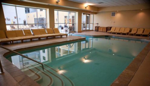 Platinum hotel and spa las vegas hotels las vegas direct for Hotels in vegas with indoor swimming pools
