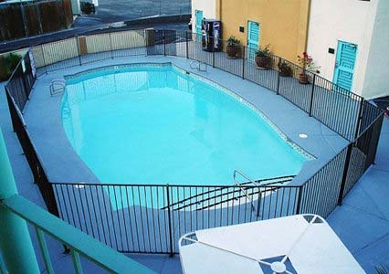 Rodeway Inn Pool